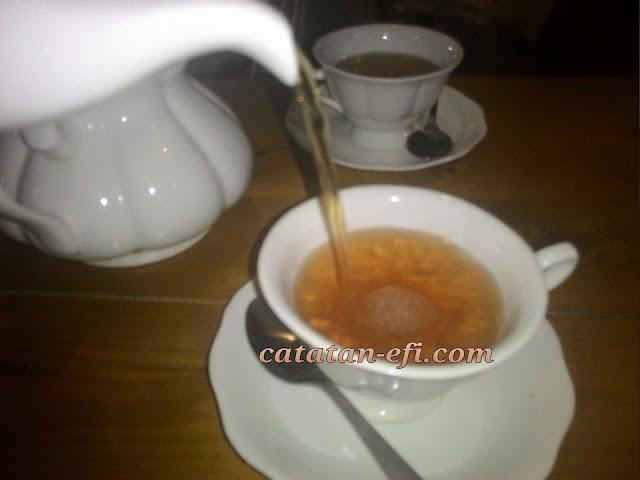 http://www.catatan-efi.com/2015/09/tren-sehat-minum-teh-bareng-kirbs.html