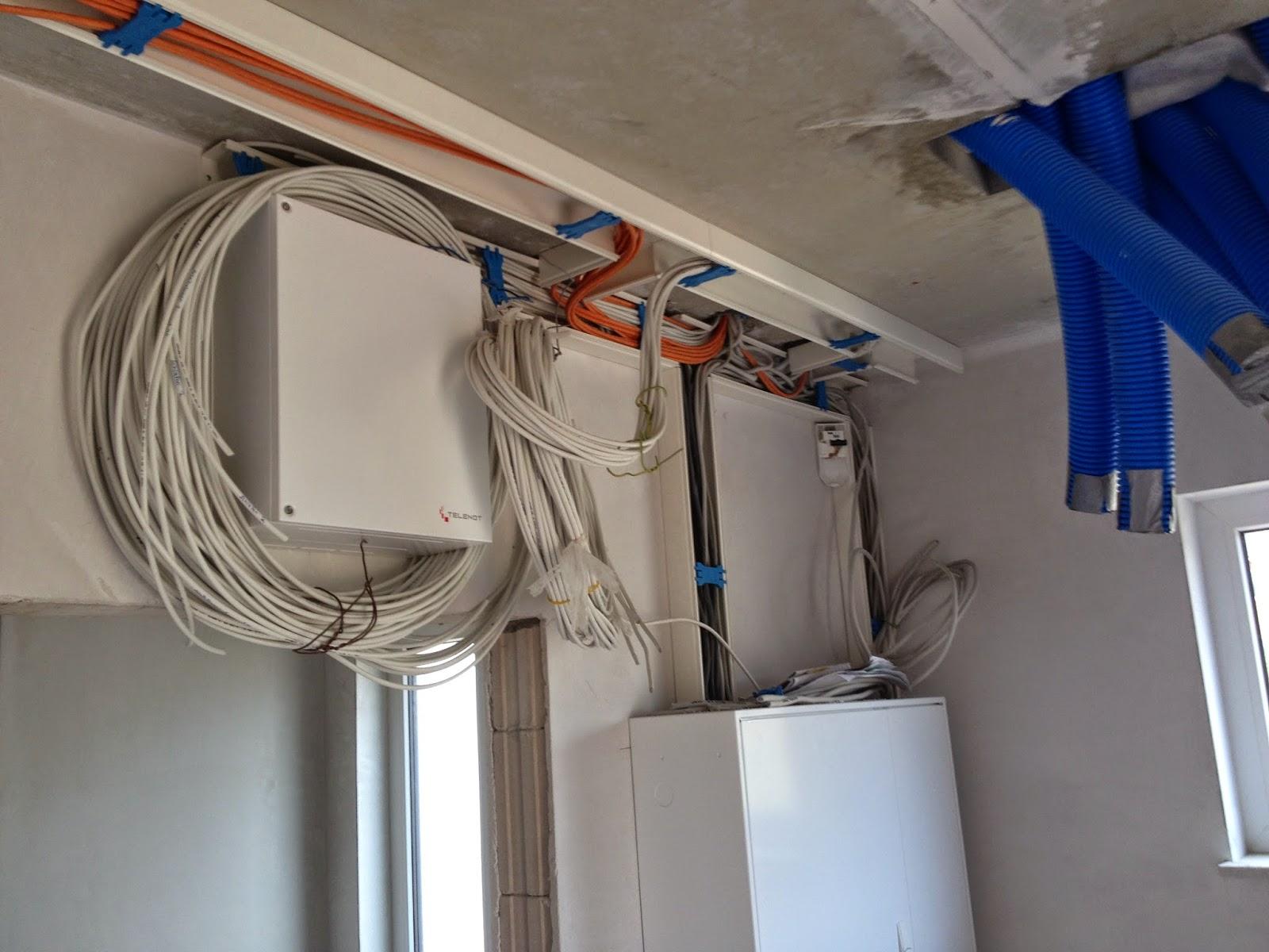 erlenhof 38 auf nach ahrensburg fliesen kabel rigipsplatten jedem das seine im urlaub. Black Bedroom Furniture Sets. Home Design Ideas