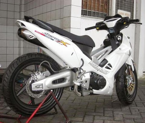 modifikasi motor supra x 125 putih