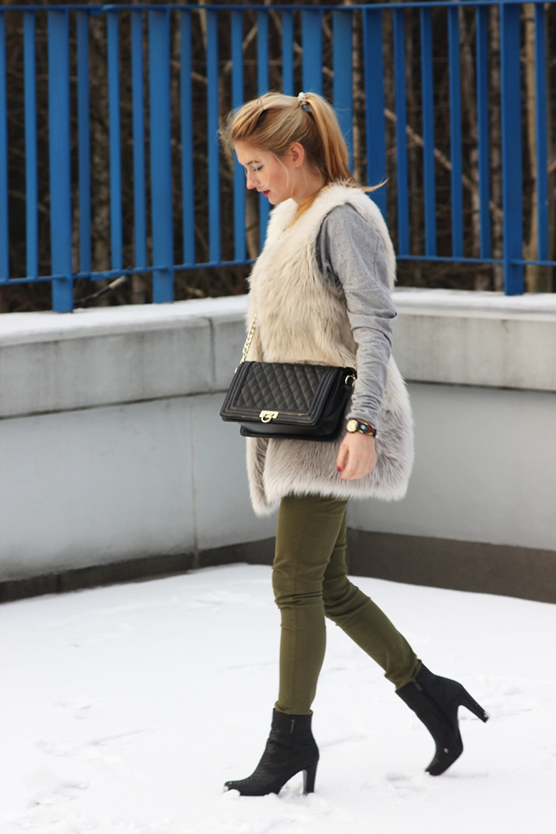 high boots The Odder Side grey shirt H&M faux fur Massimo Dutti military green trousers Nucelle bag Gino Rossi boots fashion look of the day what I am wearing blogger blog