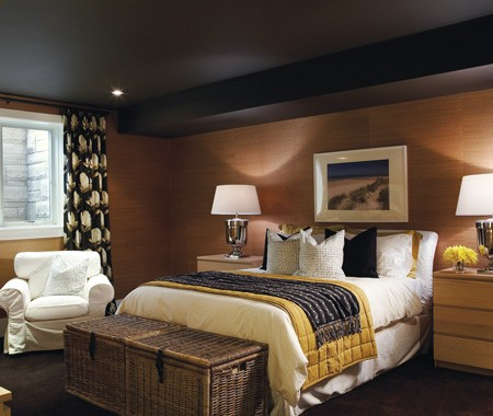 Walls black and tan for Black and beige bedroom ideas