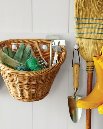 Cleaned to Perfection: Creative Storage Ideas for Garden Tools!
