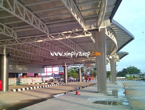 BARU: Bandara Internasional Supadio sudah dipermodern dan diperluas.  Ini adalah salah satu pencapaian yang luar biasa kota Pontianak di usianya yang ke 244 tahun kota ini. Foto Asep Haryono
