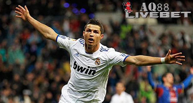 Liputan Bola - Salah satu calon kontestan anyar Major League Soccer (MLS), Los Angeles FC (LAFC), sangat berambisi ingin mendatangkan Cristiano Ronaldo dari klub Real Madrid. Christian Ronaldo yang saat ini telah berusia 30 tahun