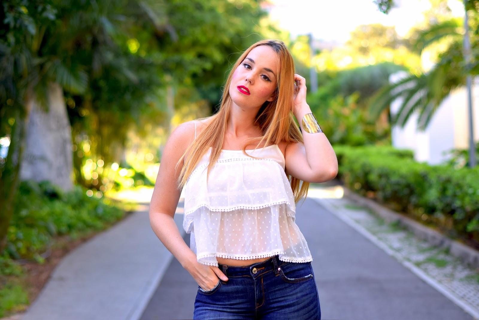 nery hdez, jeans, blonde fashionblogger, crop top, stradivarius top, amiclubwear