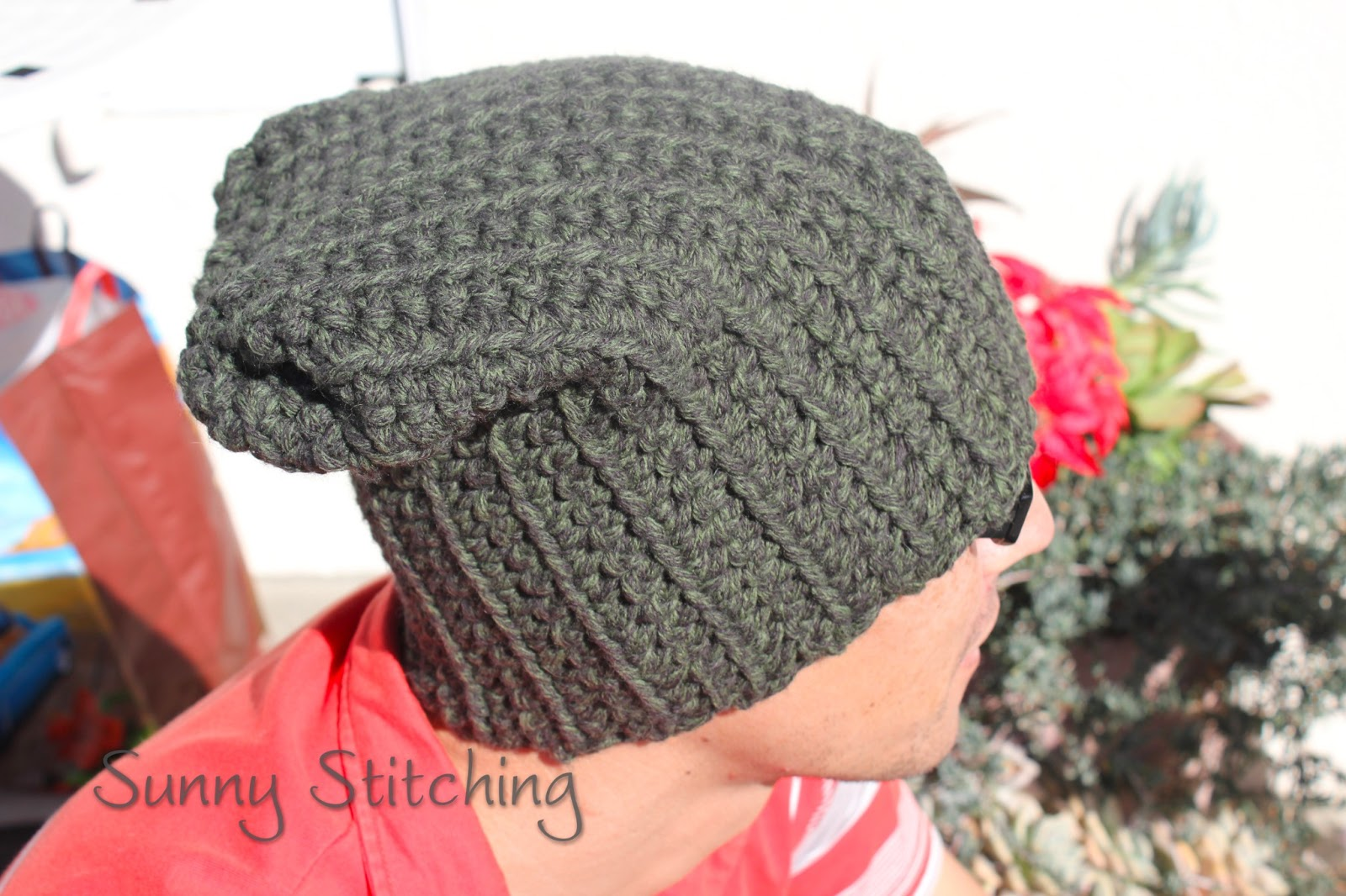 Crochet Ribbed Slouchy Hat Free Pattern : Sunny Stitching: sunnystitching.blogspot.com/2013/01/slouchy-hat-crochet-pattern.html