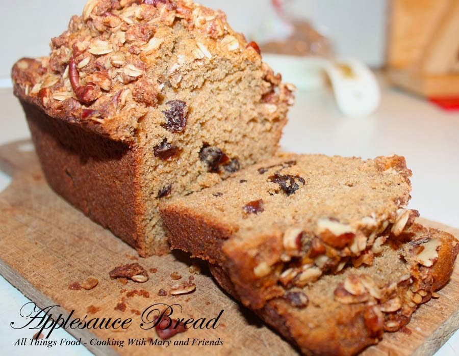Applesauce Bread with Crumble Topping
