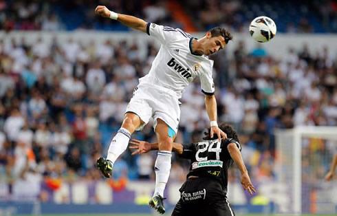 Cristiano Ronaldo tanduk bola. (Gambar hiasan.)