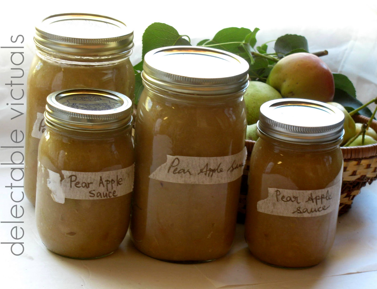 Delectable Victuals: Pear Apple Sauce
