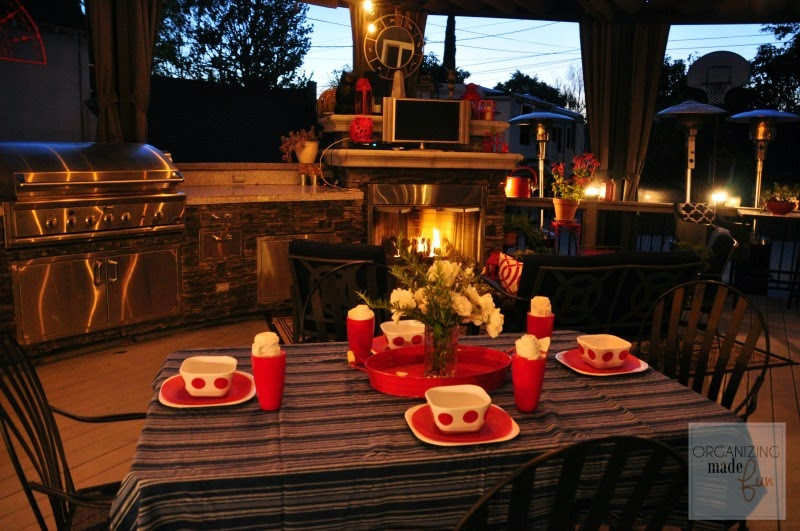 Evening Light in the outdoor patio :: OrganizingMadeFun.com