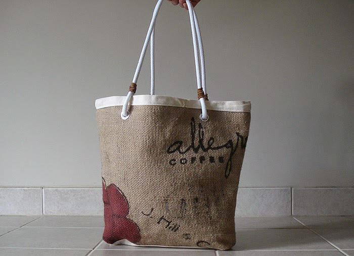 Allegro Grounds burlap bag - Lina and Vi - exterior side 1