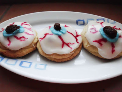 Bloodshot Eyeball Cookies www.happyhealthymotivated.com