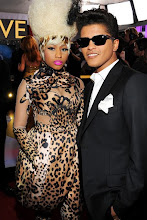 NICKI MINAJ-BRUNO MARS at GRAMMYS 2011