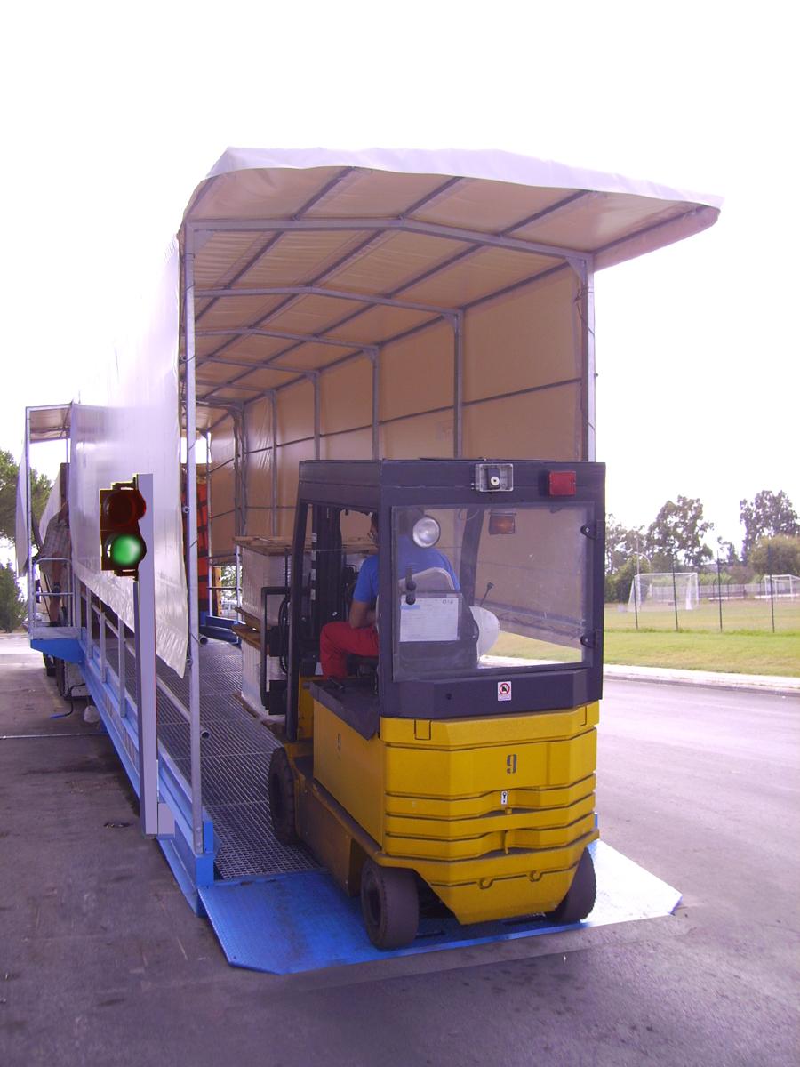 Carpenteria3p rampa carico mobile per container for Rampe di carico per container