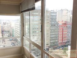 Piso de 210 metros cuadrados en Alfredo Vicenti, Plaza Maestro Mateo. 650.000€