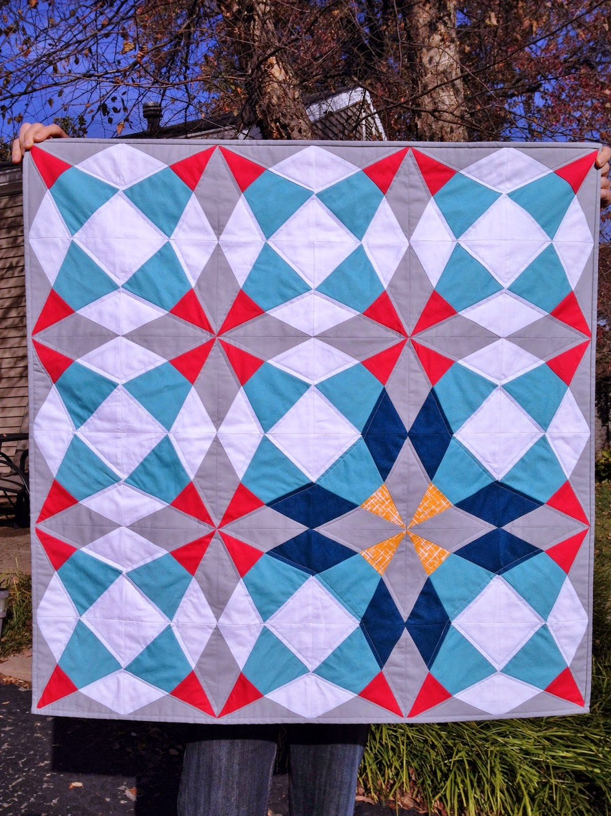 http://ablueskykindoflife.blogspot.com/2014/11/cut-glass-baby-quilt-finish.html