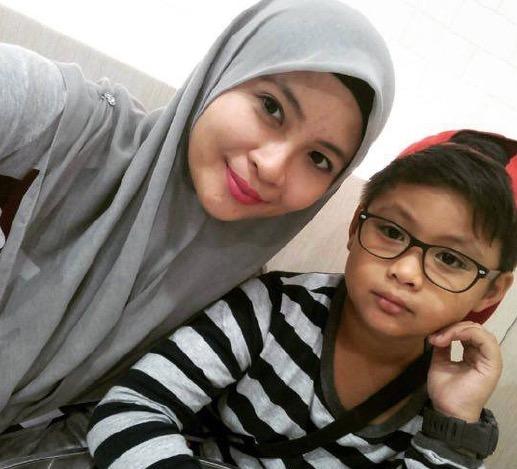Kenali anak comel Siti Nordiana