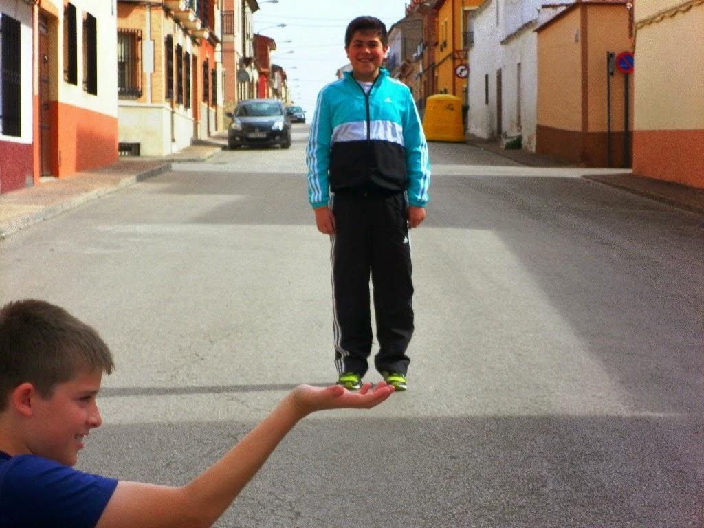 http://littledetectivessibelius.blogspot.com.es/2014/04/resolviendo-la-segunda-prueba.html