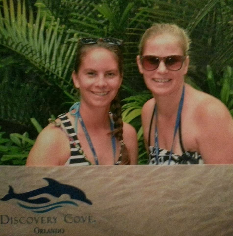 They Make A Chilling Discovery After Taking This Family Photo: Kasey Knows Orlando: Discovery Cove: Tips Guide