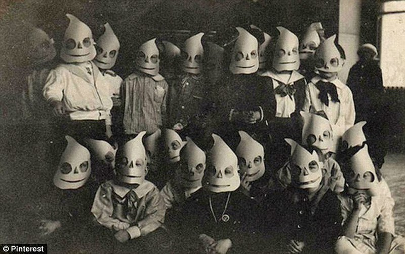 Go Retro!: Proof That Old Timey Halloween Was Way More Terrifying ...