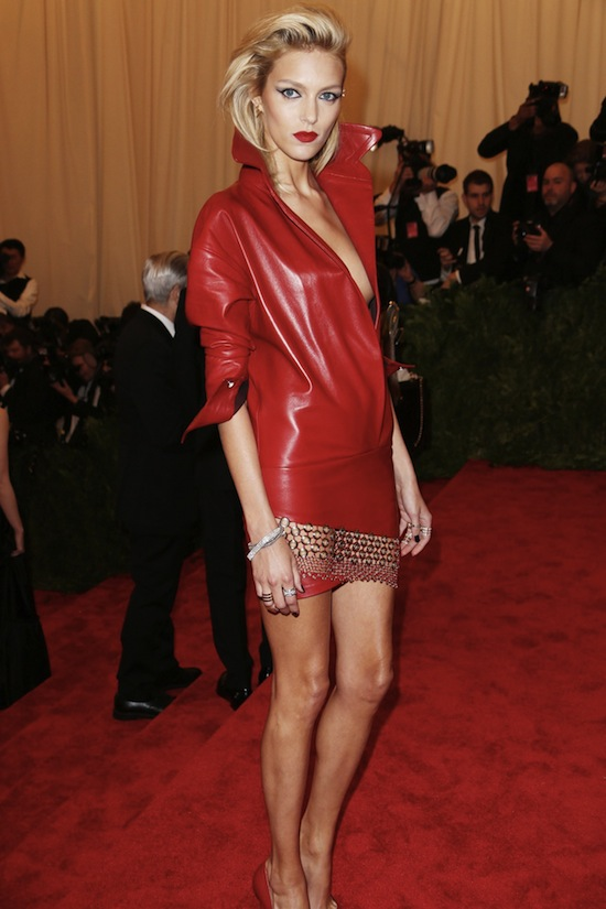 Anja Rubik in Anthony Vaccarello giving some SERIOUS Debbie Harry (who apparently wore a pantsuit!)
