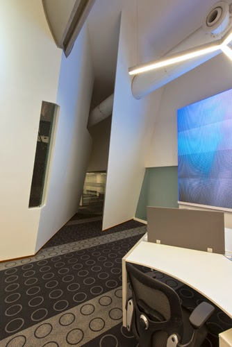 Matrubhumi Television Studio by Malik Architecture