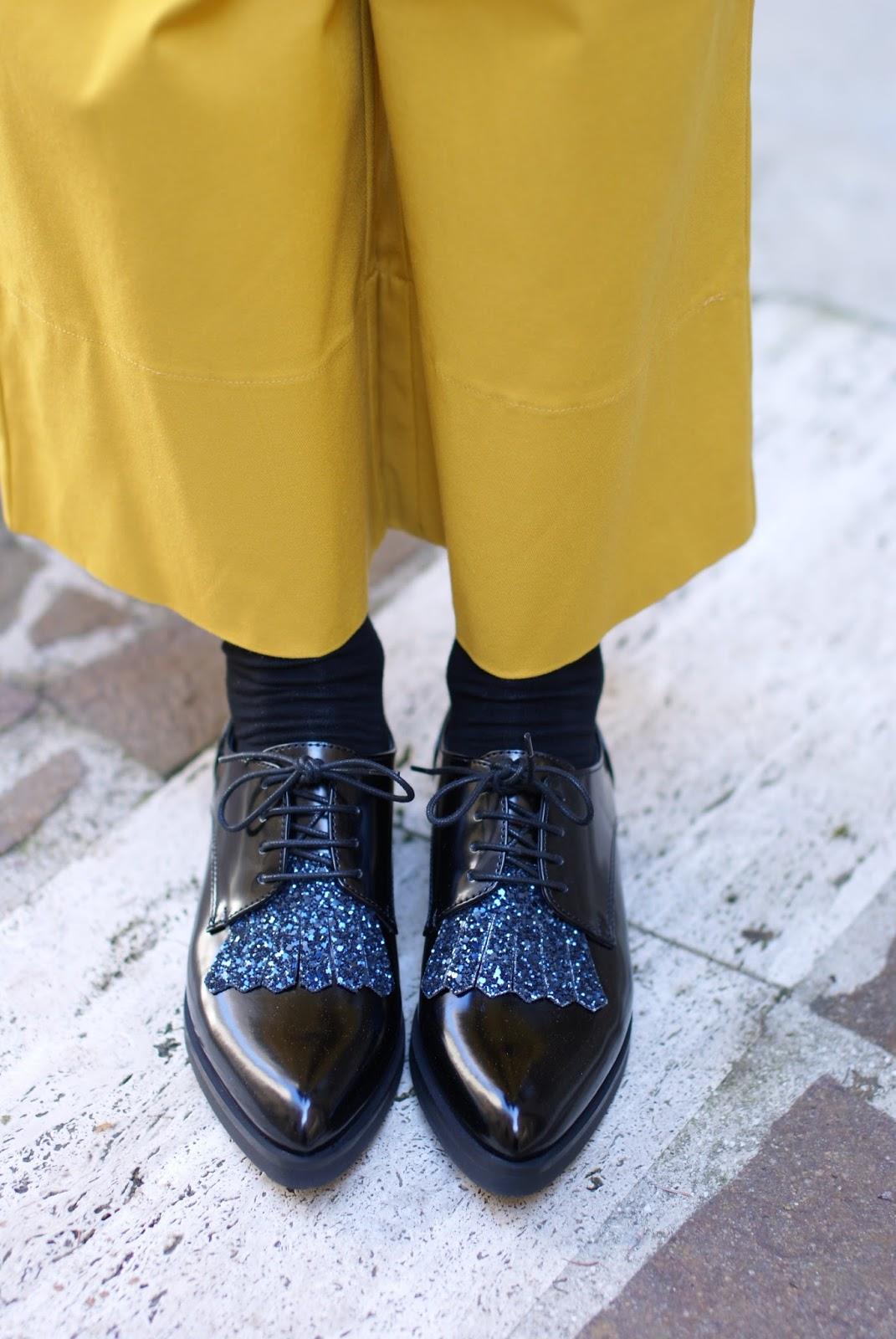 Lace-up glitter shoes, Lorenzo Mari shoes on Fashion and Cookies fashion blog, fashion blogger style