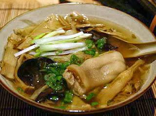 Món ăn ngon: Chân giò ninh măng