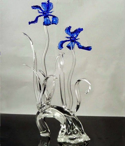 flower sculptures glass art by Ronnie Hughes
