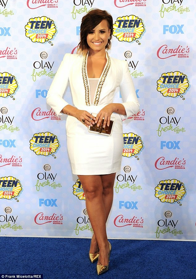 Demi Lovato is sophisticated in an Elisabetta Franchi dress at the 2014 Teen Choice Awards