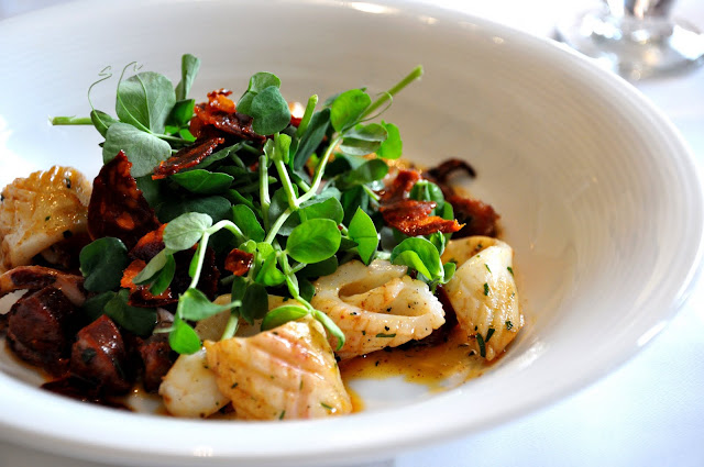 Gilbert+Scott+Kings+Cross+review+St+Pancras+Renaissance+London+Hotel+Squid+Chorizo+Peashoots