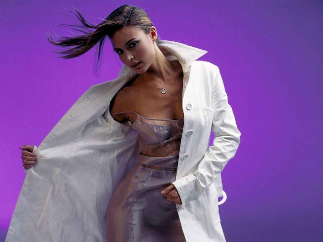 American Model Josie Maran