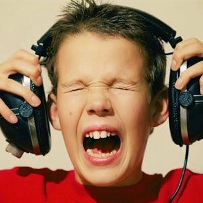 Dampak Negatif Akibat Sering Menggunakan Headseat Ditelinga
