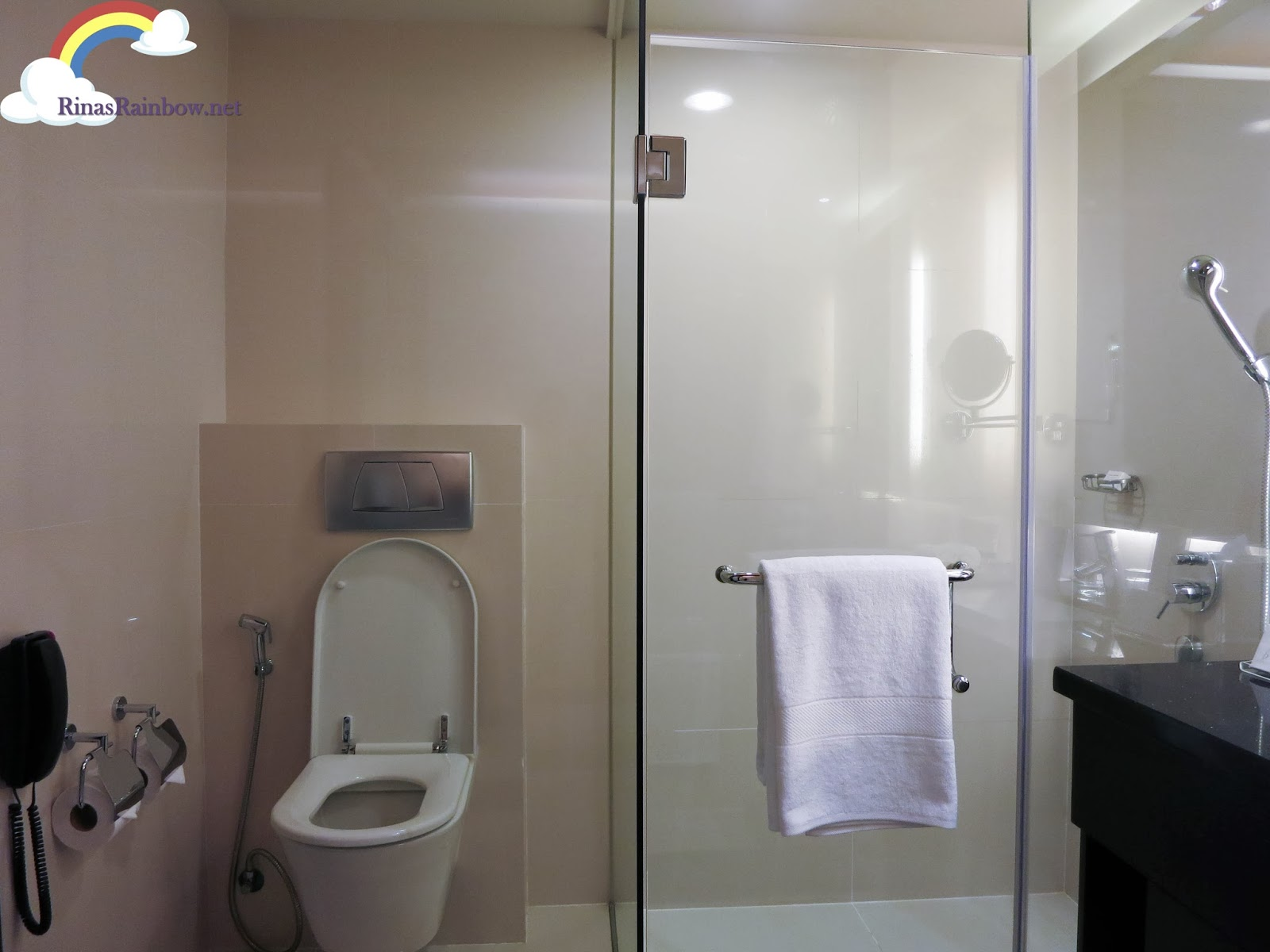 bathroom bellevue hotel manila review