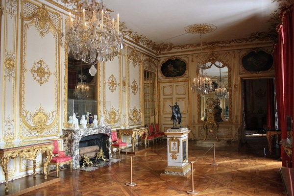 The royal digest royal residences the palace of versailles - Residence grand siecle versailles ...