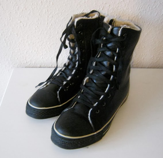 http://www.ebay.com/itm/New-odd-size-hi-top-sneakers-39-and-40-UK-6-and-7-/171226932450?pt=UK_Women_s_Shoes&hash=item27ddeba4e2