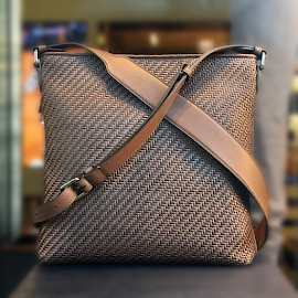 Ermenegildo Zegna PELLE TESSUTA™ Cross Body Bag