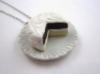 http://de.dawanda.com/product/22009053-Cremige-Torten-Kette
