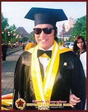 Drs. H. Ikang Fawzi, MBA Suami dari Marissa Haque, Alumni UI & UGM, 2011