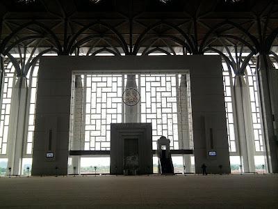 panel kaca mihrab masjid besi