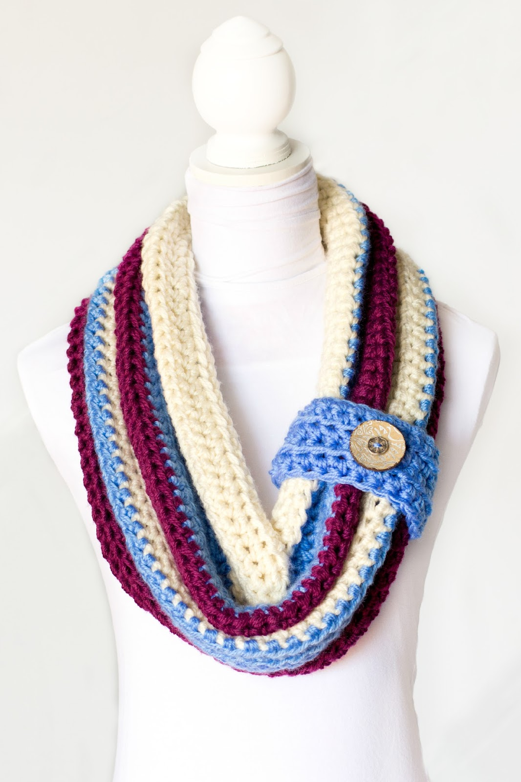 Crochet Scarf Pattern With Button : Hopeful Honey Craft, Crochet, Create: Chunky Button Cowl ...