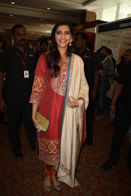 sonam kapoor at ficci 2012 inauguration