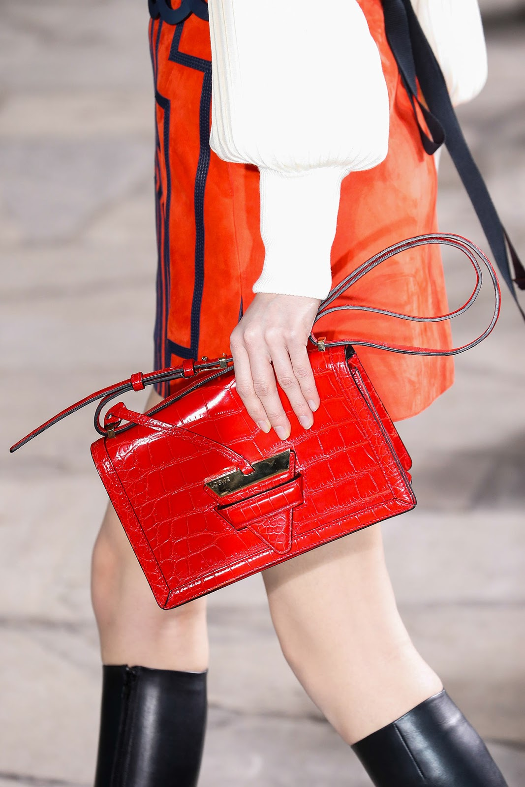 Fall 2015 accessories trend report / best bags / investment bags / crocodile accessories trend at Loewe Fall/Winter 2015 via fashionedbylove.co.uk, british fashion blog