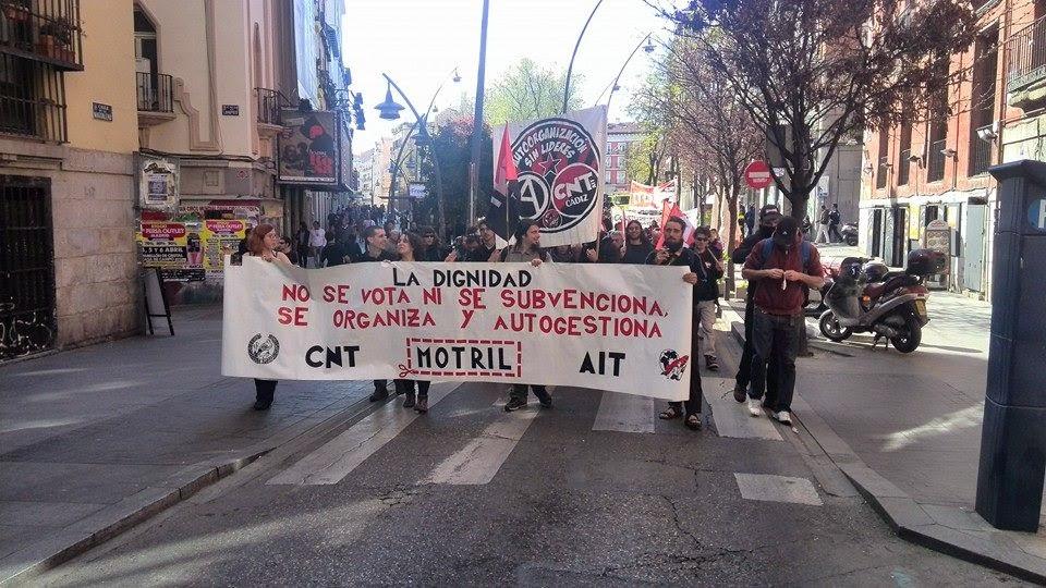 22-M, las marchas de la confluencia,  Cifuentes prohíbe la protesta del 22M ante la Bolsa por el funeral de,Éxito histórico del 22M!! Y ahora qué?,ara Marhuenda, lo único destacable del 22M es que unos,La policía reventó el 22M para los telediarios,22M Getafe vibra con la llegada de la Marcha,  Miles de personas se concentran en Madrid contra los recortes de la,Cargas policiales en Colón antes de concluir los actos del 22M