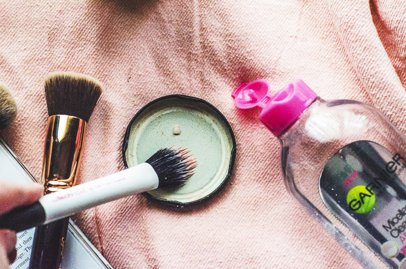 how to clean makeup brushes with coconut oil. a little coconut oil, dash of micellar water. swirl it together with makeup brush and force wicked cackle because you know this feels like you\u0027re how to clean brushes oil s