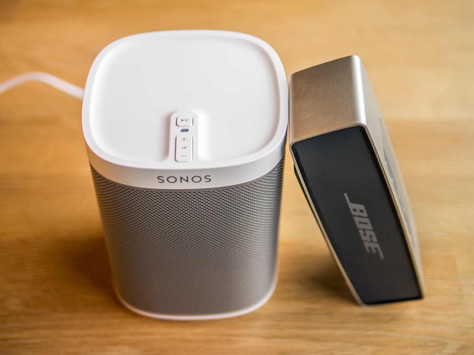 oluv 39 s gadgets review sonos play 1 smallest yet best. Black Bedroom Furniture Sets. Home Design Ideas