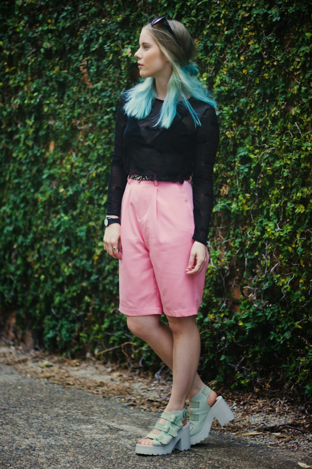 Pip O'Sullivan fashion blog, Philippa O'Sullivan, outsideiscolours, outside is colours, OOTD, fashion blogger outfit, long pink shorts, Front Row Shop high waist pink shorts, pale pink longline shorts, Miista Amber sandal mint, chunky mint sandals, solestruck miista amber sandals, lazy oaf batman crop top, blue ombre hair, turquoise dip dye hair,