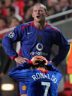 funny picture:  ronaldo with rooney