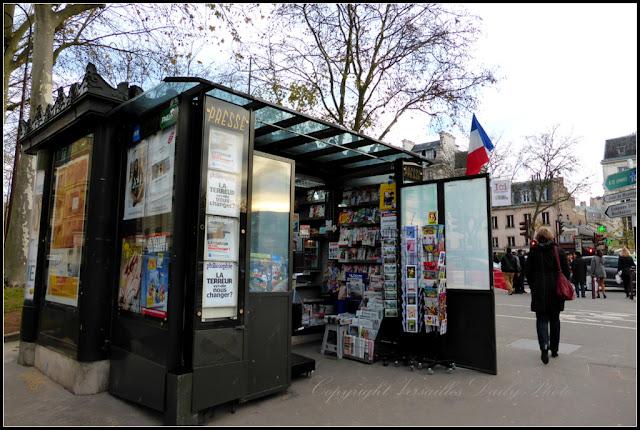 Newsagents Versailles kiosque à journaux