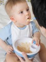 gambarbayi imut dan lucu, foto balita makan, bahaya bakteri e coli, makanan sehat untuk si kecil